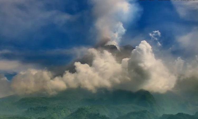 https: img.okezone.com content 2021 08 05 510 2451440 gunung-merapi-alami-54-kali-gempa-guguran-n4DeuIuFNl.jpg