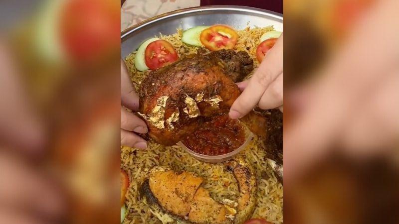 https: img.okezone.com content 2021 08 06 298 2451827 wisata-kuliner-nasi-kebuli-bertabur-emas-berasa-jadi-sultan-VFKsfdvTvA.jpg