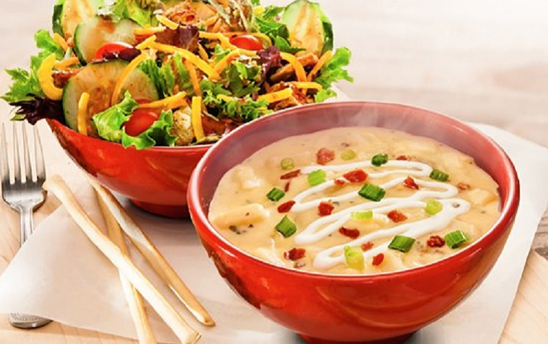 https: img.okezone.com content 2021 08 06 298 2451976 salad-dan-sup-makanan-sehat-benarkah-npg6D1rR8w.jpg