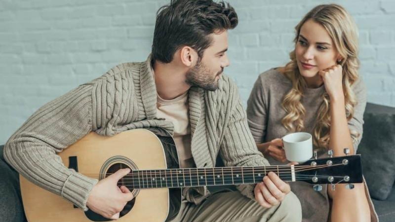 https: img.okezone.com content 2021 08 06 612 2452087 tak-hanya-romantis-5-zodiak-ini-bisa-jadi-pasangan-yang-menyenangkan-FKaAjKkLsG.jpg