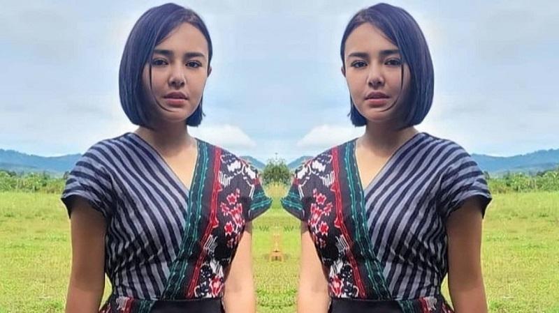 https: img.okezone.com content 2021 08 07 194 2452433 dress-batik-keren-milik-amanda-manopo-harganya-cuma-rp120-ribu-loh-pNb6jWz2ru.jpg
