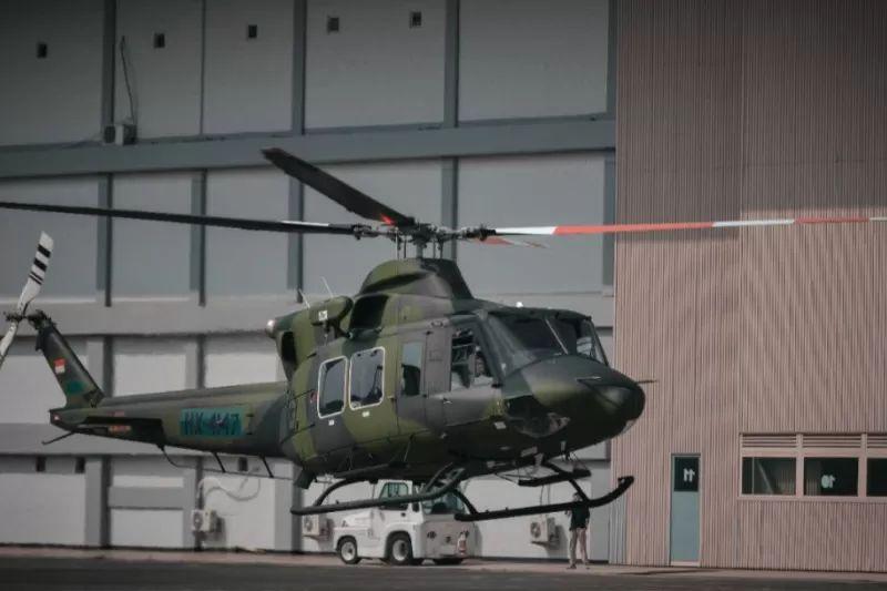 https: img.okezone.com content 2021 08 07 337 2452322 helikopter-indonesia-kibarkan-bendera-china-hoaks-rEBpfZMABf.jpg