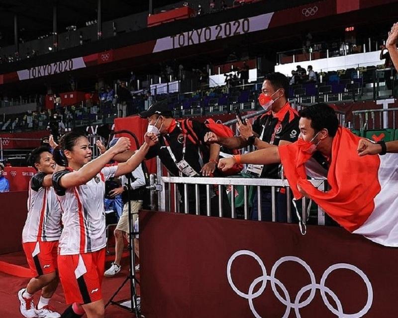 https: img.okezone.com content 2021 08 09 43 2453054 disebut-jadi-tukang-pijat-di-olimpiade-tokyo-2020-ini-jawaban-dokter-tim-indonesia-8RCzYwLo9r.jpg