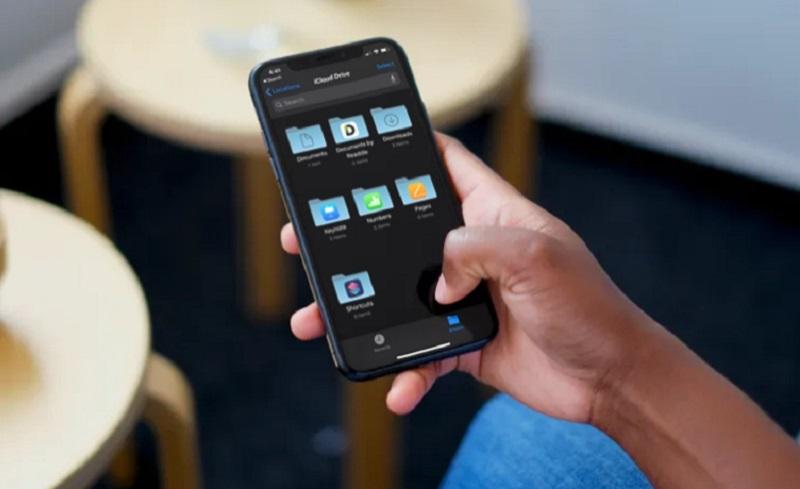 https: img.okezone.com content 2021 08 10 57 2453614 pengguna-icloud-iphone-akan-dicek-apakah-memiliki-gambar-kekerasan-anak-8IMaclUQzv.jpg