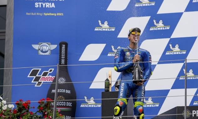 https: img.okezone.com content 2021 08 11 38 2453938 podium-kedua-di-motogp-styria-2021-joan-mir-tuai-pujian-dari-bos-suzuki-pPrTBwT5av.jpg