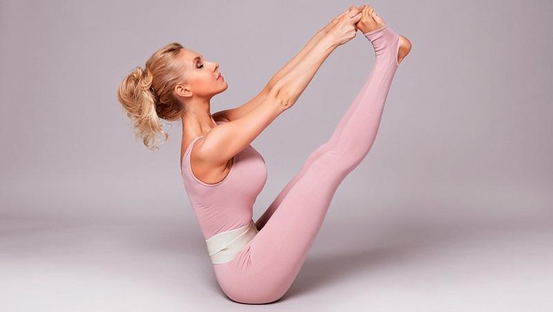 https: img.okezone.com content 2021 08 11 481 2453975 4-latihan-yoga-untuk-atasi-kelelahan-mental-selama-pandemi-aNKjXWPKKC.jpg