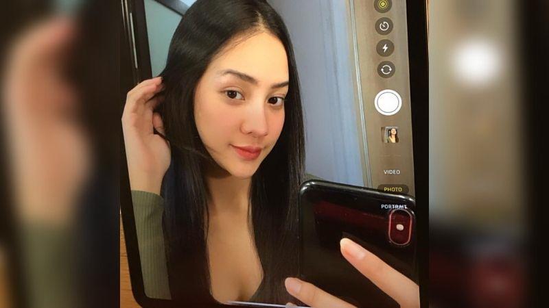 https: img.okezone.com content 2021 08 11 612 2454173 anya-geraldine-pamer-selfie-cantik-kala-bosan-pose-meletnya-bikin-gemas-sazPM7RP5P.jpg