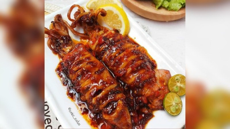 https: img.okezone.com content 2021 08 13 298 2455243 resep-cumi-saos-kecap-pedas-hidangan-lezat-untuk-akhir-pekan-La317LkfgE.jpg