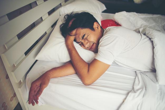 https: img.okezone.com content 2021 08 14 612 2455634 ketahui-7-bahaya-kurang-tidur-dan-cara-mengatasinya-m2sI91fReS.jpg