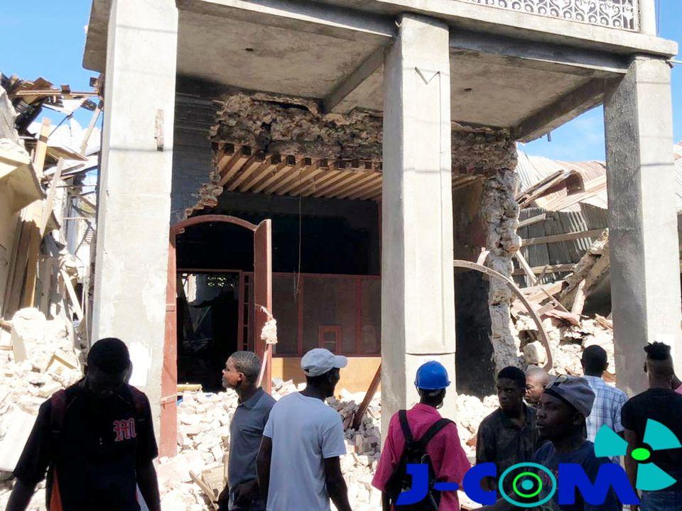 https: img.okezone.com content 2021 08 15 18 2455784 gempa-haiti-m7-2-pemerintah-umumkan-keadaan-darurat-1-bulan-VY0mBmAI6o.jpg