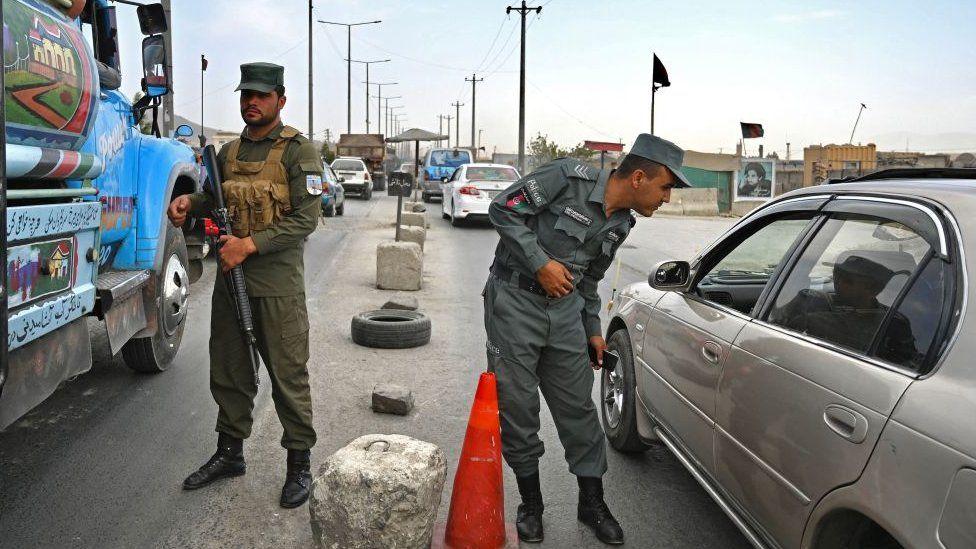 https: img.okezone.com content 2021 08 15 18 2455878 taliban-kuasai-semua-kota-utama-kecuali-ibukota-VJOFAlxi4T.jpg