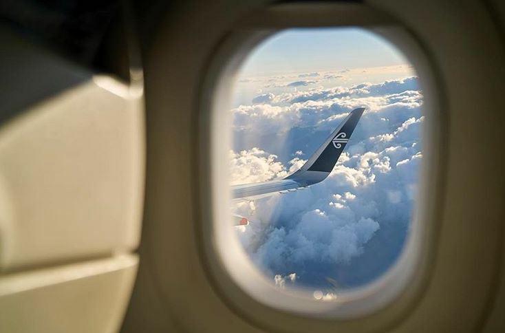 https: img.okezone.com content 2021 08 15 406 2455773 7-jam-terbang-tanpa-kepastian-bikin-penumpang-frustrasi-ternyata-ini-yang-terjadi-m4vuoDcPOL.JPG