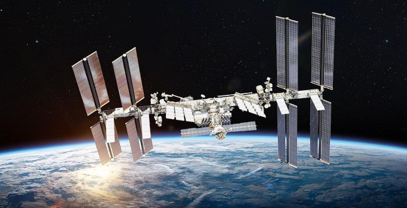 https: img.okezone.com content 2021 08 15 56 2455824 bermuatan-3-700-kilogram-pesawat-kargo-tiba-di-stasiun-antariksa-internasional-z0xm3mK2FI.jpg