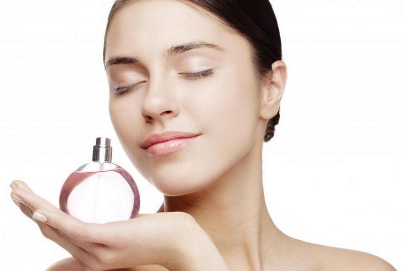 https: img.okezone.com content 2021 08 15 611 2456022 deretan-parfum-rempah-yang-mampu-bangkitkan-mood-2ZlEMMsJhm.jpg