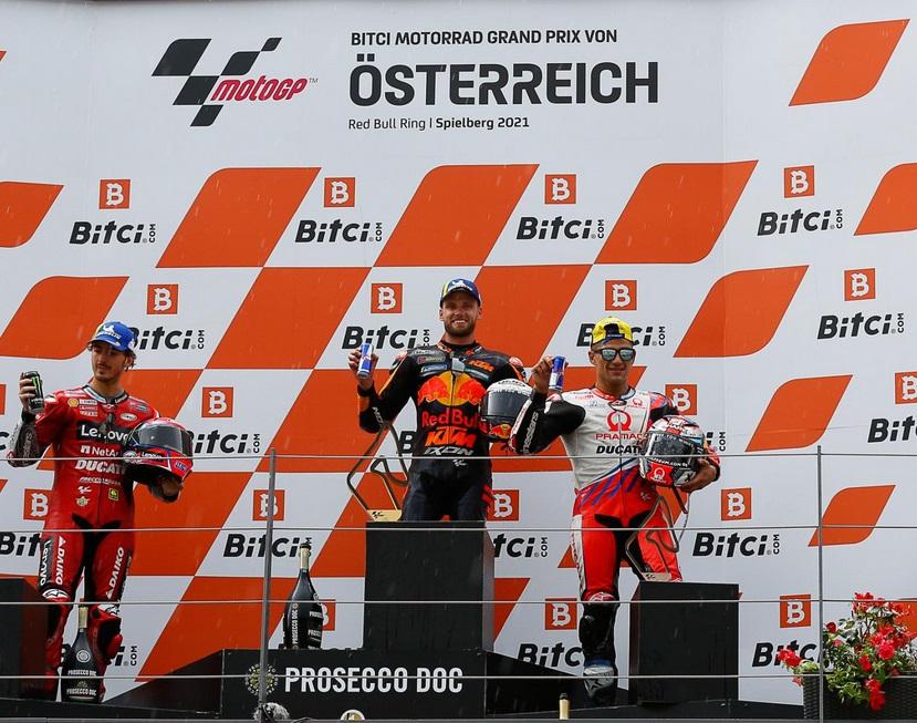 https: img.okezone.com content 2021 08 16 38 2456192 jadi-pemenang-motogp-austria-2021-brad-binder-malah-disebut-gila-22UJM77kYc.jpg