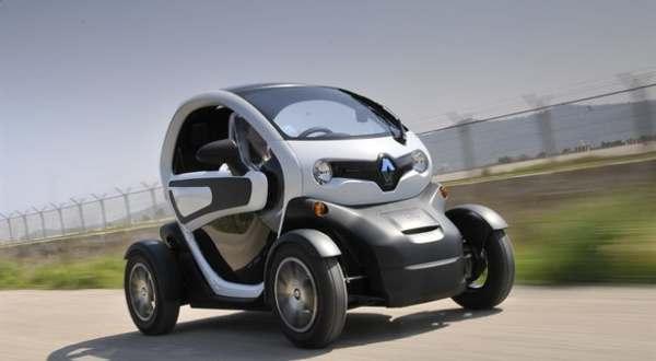 https: img.okezone.com content 2021 08 16 52 2456288 mudah-banget-begini-cara-menyetir-mobil-listrik-mungil-twizy-gfqI9WbbsB.jpg