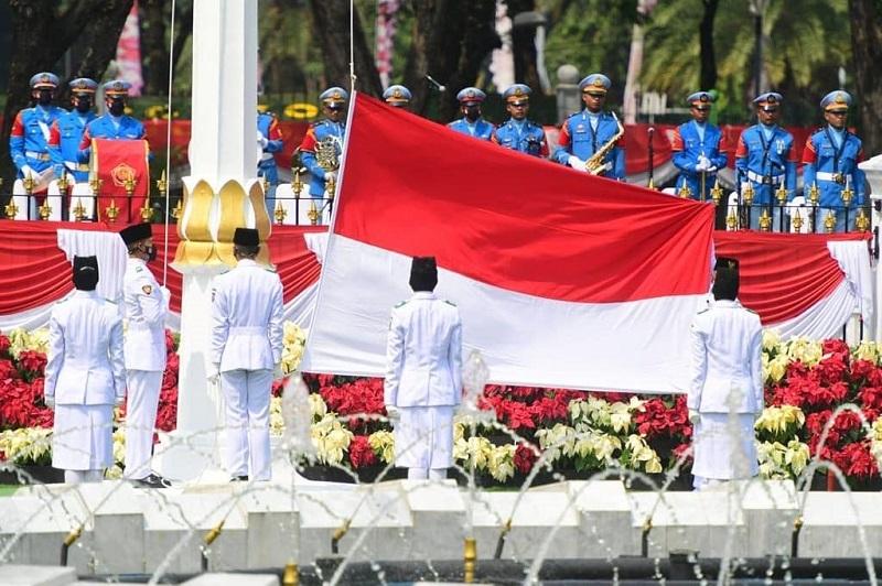 https: img.okezone.com content 2021 08 17 205 2456925 8-fakta-menarik-seputar-lagu-indonesia-raya-L9roBgMwbu.jpg