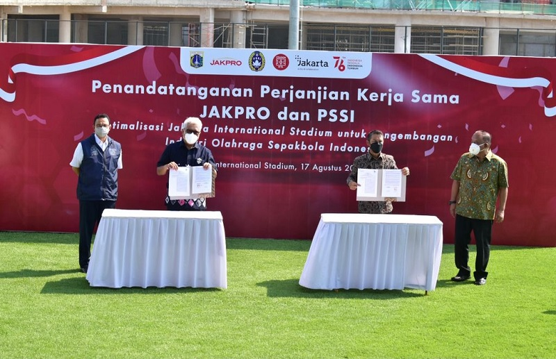 https: img.okezone.com content 2021 08 17 51 2456861 pssi-dan-jakpro-teken-kerja-sama-optimalisasi-timnas-indonesia-bisa-berkandang-di-jakarta-international-stadium-5PyHPaKnLB.jpg