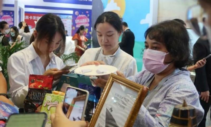 https: img.okezone.com content 2021 08 18 406 2457141 bangga-indonesia-raih-2-penghargaan-dalam-pameran-wisata-internasional-di-china-I88iaLLXka.jpg