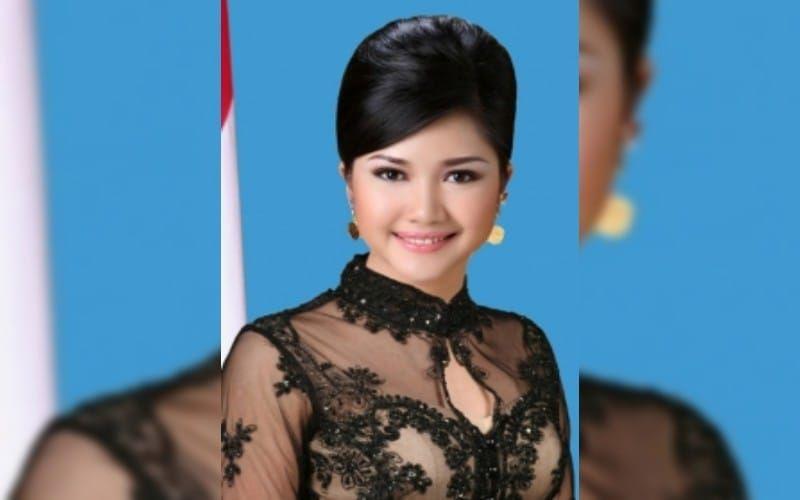 https: img.okezone.com content 2021 08 19 337 2458115 kabar-duka-percha-leanpuri-putri-gubernur-sumsel-meninggal-dunia-wNNpUOvyx9.jpg