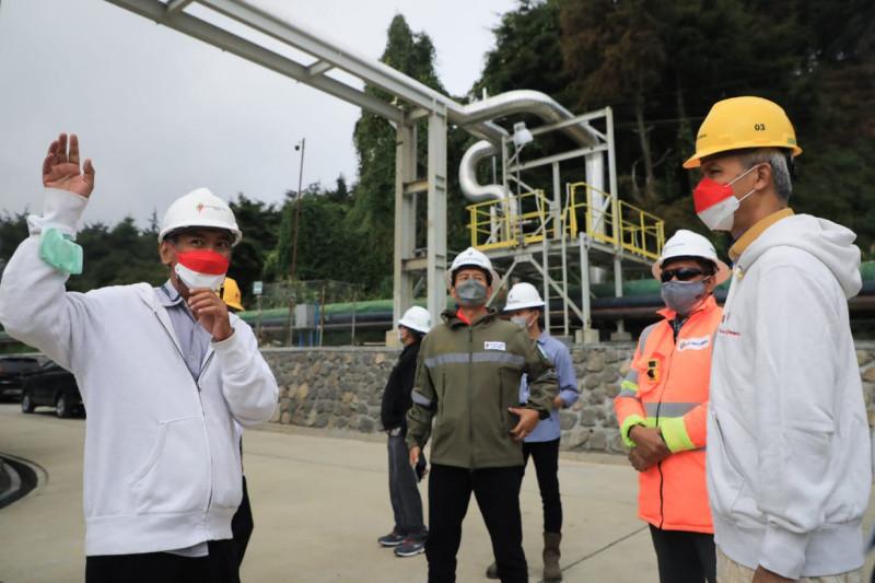 https: img.okezone.com content 2021 08 19 406 2457774 ganjar-ingin-jadikan-proyek-geotermal-dieng-sebagai-destinasi-wisata-energi-k97OlqFOeZ.jpg