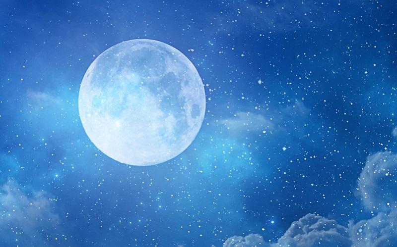 https: img.okezone.com content 2021 08 20 56 2458297 5-mitos-yang-menyelimuti-fenomena-blue-moon-apa-saja-s47KBNvpBG.jpg