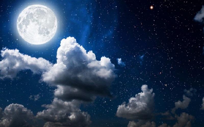 https: img.okezone.com content 2021 08 20 56 2458470 ternyata-fenomena-bulan-bukan-hanya-blue-moon-apa-saja-UoUlwf3cuI.jpg