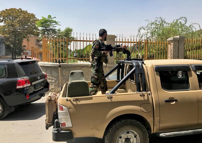 https: img.okezone.com content 2021 08 23 320 2459719 taliban-kuasai-afghanistan-bank-tutup-hingga-harga-makanan-meroket-iwOMmmZ54q.jpg
