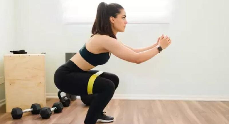 https: img.okezone.com content 2021 08 23 481 2459739 5-olahraga-ini-bakar-500-kalori-hanya-dalam-30-menit-cepat-langsing-o8iFFlCypj.jpg