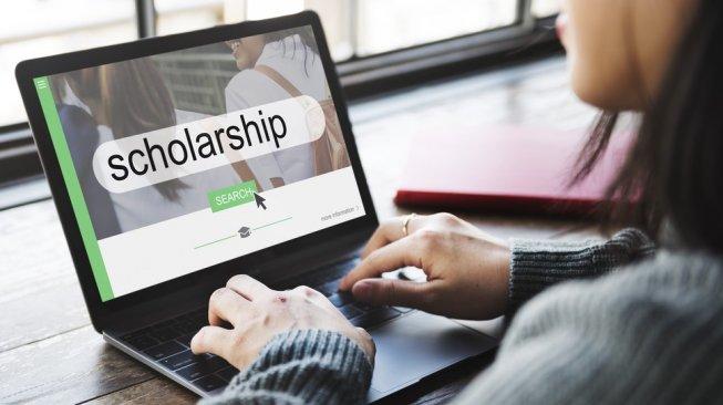 https: img.okezone.com content 2021 08 23 65 2459849 kampus-ini-siapkan-150-beasiswa-bagi-calon-mahasiswa-tak-mampu-kiiFxuXf4S.jpg