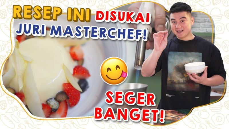 https: img.okezone.com content 2021 08 25 298 2460813 mudah-dan-lezat-intip-resep-yoghurt-panna-cotta-ala-chef-arnold-poernomo-llqLM8mfNe.jpg