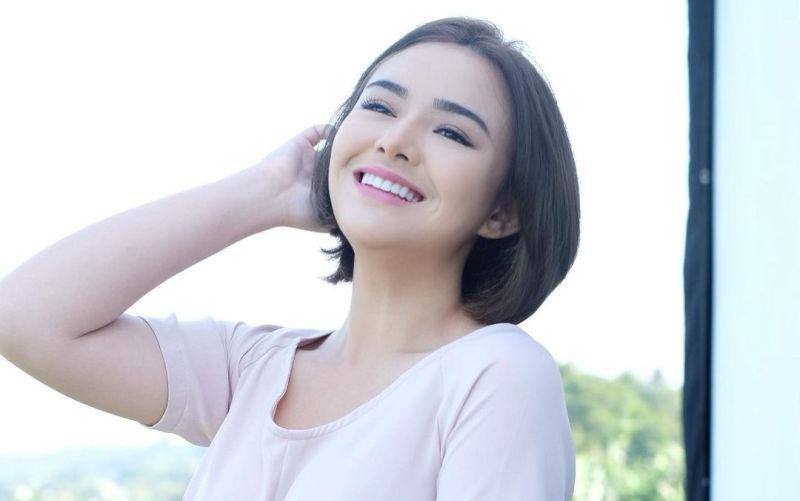 https: img.okezone.com content 2021 08 25 33 2461209 amanda-manopo-pakai-kemben-manja-netizen-cantiknya-gak-ada-obat-MxIBBt9LxH.jpg