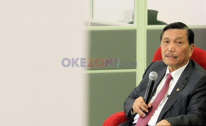 https: img.okezone.com content 2021 08 25 406 2460742 turis-bakal-dapat-visa-5-tahun-luhut-orang-asing-bisa-work-from-bali-lebih-lama-ft5XUPfmF0.JPG
