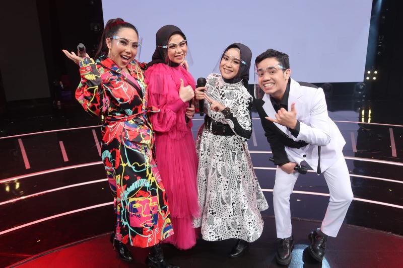 https: img.okezone.com content 2021 08 25 598 2461006 nayunda-rezki-radika-dan-pauzal-melaju-ke-grand-final-rising-star-indonesia-dangdut-cWE9oWHtJH.jpg