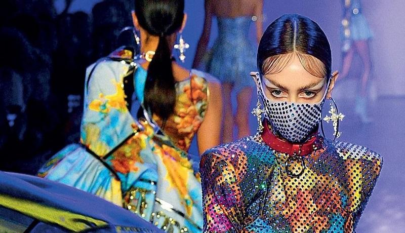 https: img.okezone.com content 2021 08 26 194 2461569 tren-fashion-masa-pandemi-tonjolkan-fungsi-bukan-beauty-maxy-eiuSVPXStj.jpg
