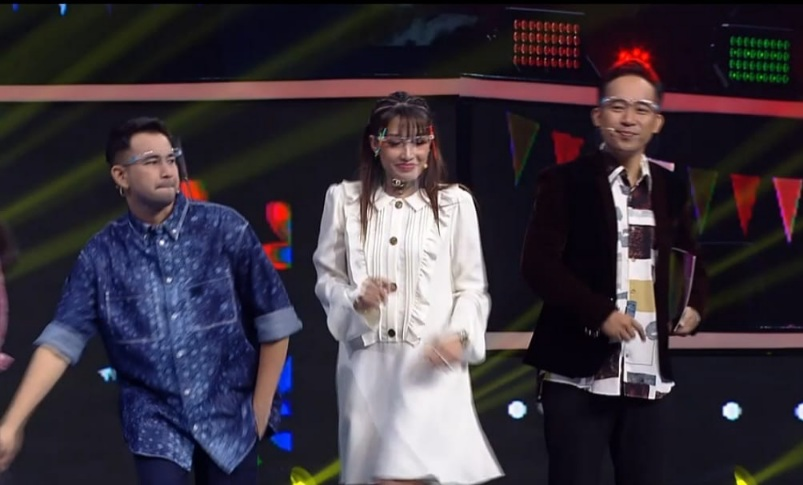 https: img.okezone.com content 2021 08 26 598 2461394 bertabur-bintang-di-perayaan-hut-rcti-32-mulai-dari-pemain-sinetron-musisi-hingga-juri-masterchef-indonesia-hGxDynTTTP.jpg