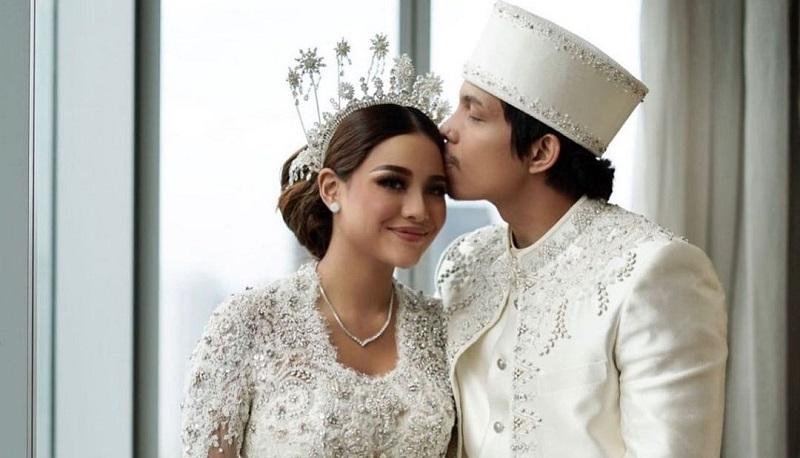 https: img.okezone.com content 2021 08 27 33 2462117 5-pernikahan-artis-terbaru-2021-pestanya-mewah-sampai-disiarkan-live-di-televisi-F80A1gtLGC.jpg