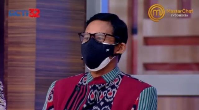 https: img.okezone.com content 2021 08 28 298 2462619 grand-final-masterchef-indonesia-kedatangan-sandiaga-uno-jesselyn-dan-nadya-makin-tegang-SmeO6RlLZx.jpg