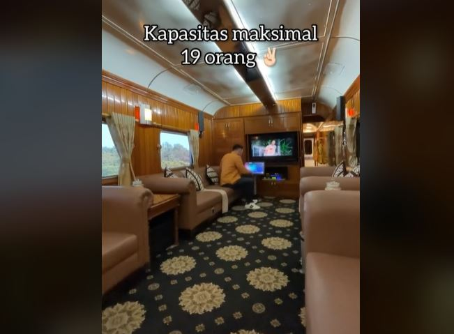 https: img.okezone.com content 2021 08 29 406 2462759 viral-naik-kereta-api-dari-bandung-ke-yogyakarta-rp25-juta-serasa-sultan-Vv6aDnsS4y.JPG