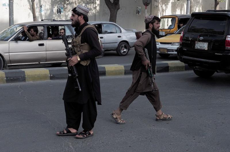 https: img.okezone.com content 2021 08 30 18 2463476 taliban-perintahkan-warga-kabul-serahkan-senjata-amunisi-dan-barang-milik-negara-iP3WUfjpP7.jpg