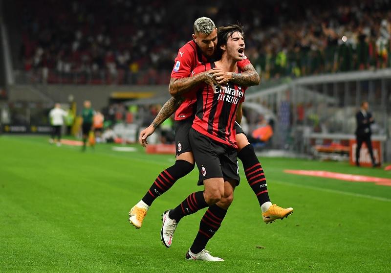 https: img.okezone.com content 2021 08 30 47 2463039 hasil-liga-italia-2021-2022-semalam-ac-milan-dan-as-roma-berpesta-gol-BiIkim6j7v.jpg
