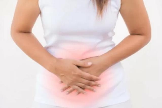 https: img.okezone.com content 2021 08 30 481 2463084 alami-5-gejala-ini-wanita-disarankan-segera-periksa-ke-dokter-kandungan-D49Pe23n0i.jpg