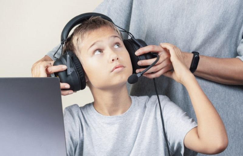 https: img.okezone.com content 2021 08 31 326 2463701 anak-anak-hanya-boleh-main-game-online-3-jam-per-minggu-di-china-kCjZ38kLqx.jpg