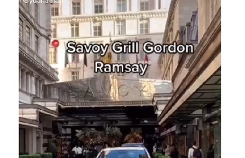 https: img.okezone.com content 2021 09 01 298 2464503 makan-di-restoran-gordon-ramsay-netizen-lebih-murah-daripada-di-resto-mewah-jakarta-TohAn1670J.jpg
