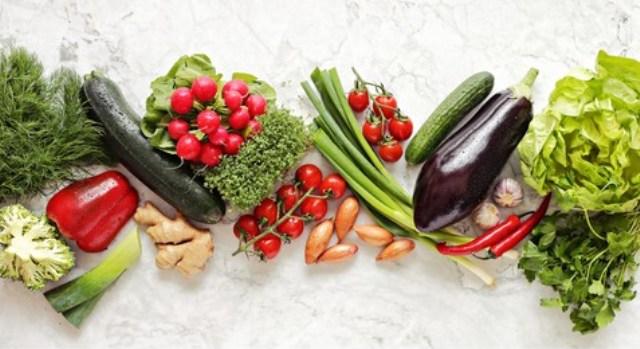 https: img.okezone.com content 2021 09 01 298 2464573 5-sayuran-penurun-gula-darah-cocok-untuk-penderita-diabetes-PbkPsFgxMn.jpg
