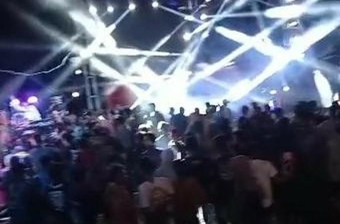 https: img.okezone.com content 2021 09 01 519 2464650 pesta-dangdutan-anggota-dprd-pasuruan-picu-kerumunan-polisi-tetapkan-satu-tersangka-AEdlIwwX2I.jpg