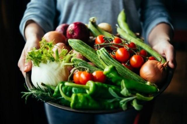 https: img.okezone.com content 2021 09 02 298 2464852 3-cara-sehat-mengolah-sayuran-agar-nutrisinya-tidak-hilang-OpIn1kBjUE.jpg