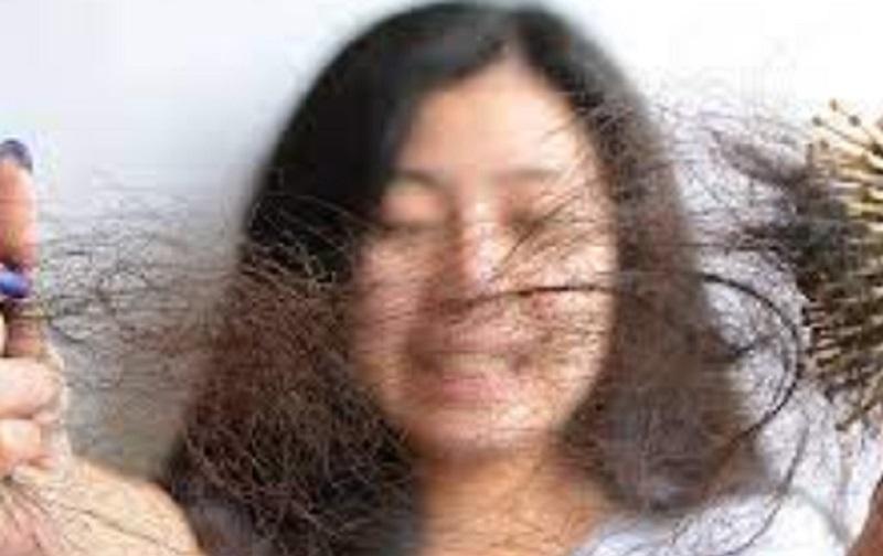 https: img.okezone.com content 2021 09 02 611 2465050 rambut-rontok-pasca-terinfeksi-covid-19-ini-tips-merawatnya-VYCJKVd04U.jpg