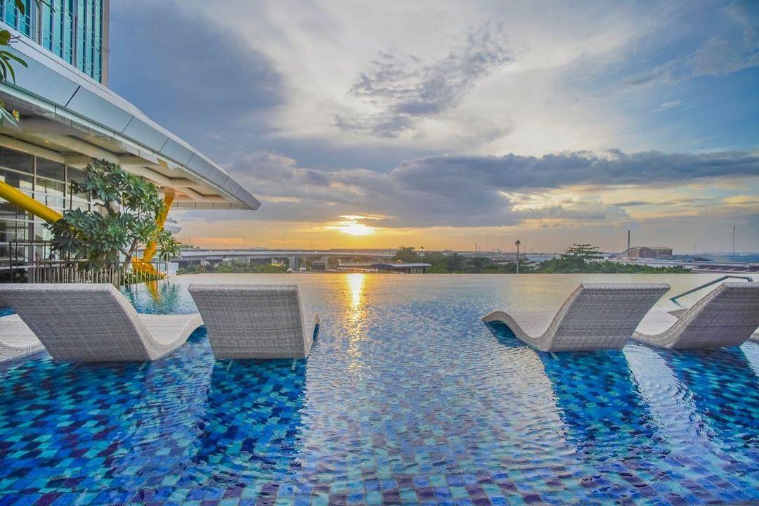 https: img.okezone.com content 2021 09 03 406 2465876 3-hotel-di-cikarang-seru-buat-melepas-penat-di-tengah-ppkm-qvk0NLIt6g.jpg