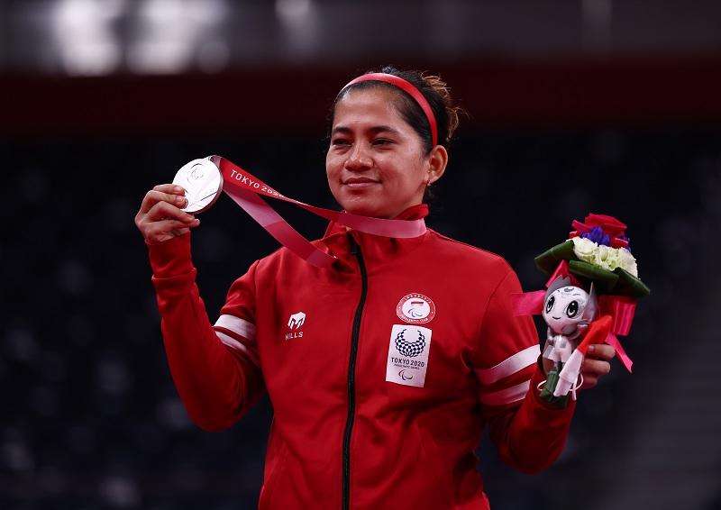 https: img.okezone.com content 2021 09 05 40 2466401 gagal-sabet-medali-emas-di-tunggal-putri-paralimpiade-tokyo-2020-leani-ratri-oktila-kurang-fokus-dan-kelelahan-UDawpOz3wd.jpg